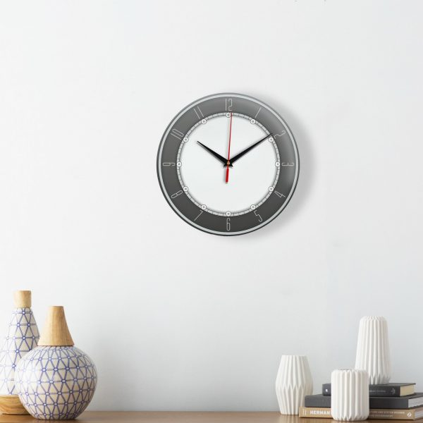 Настенные часы с серым ободком