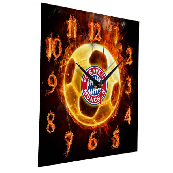 Настенные часы «Огненный футболист BAYERN MUNCHEN»