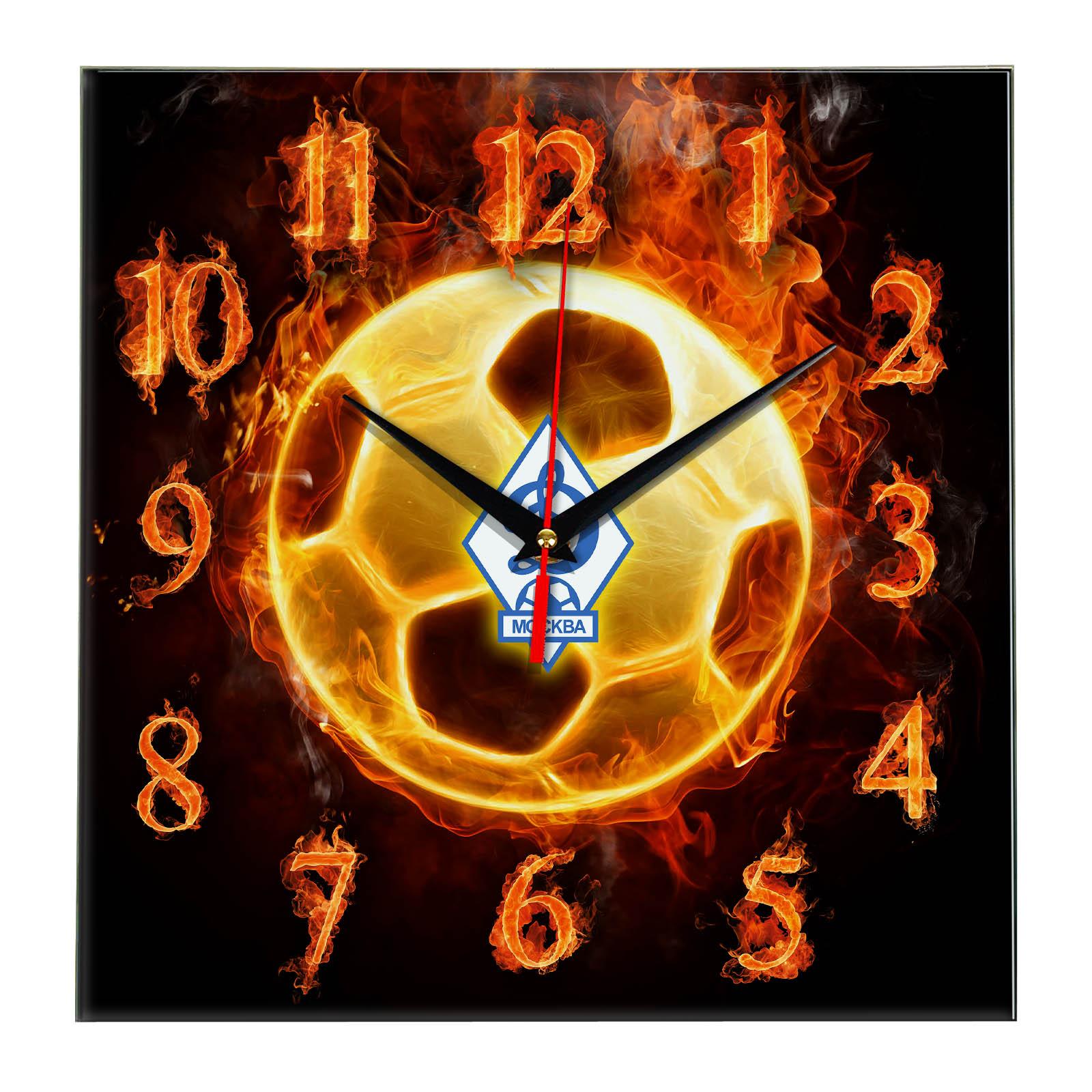 Настенные часы «Огненный футболист DINAMO MOSKVA»
