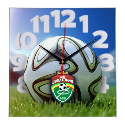 Настенные часы «На стадионе Evpatoriya»