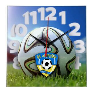 Настенные часы «На стадионе Gornyak»