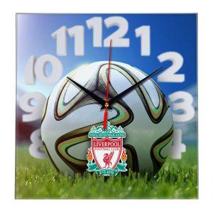 Настенные часы «На стадионе Liverpool»