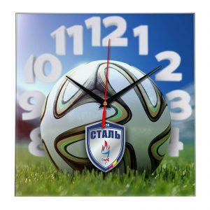 Настенные часы «На стадионе Stal»