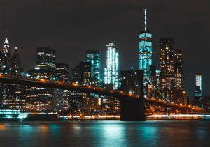 Фото на картине огни ночного Нью-Йорка