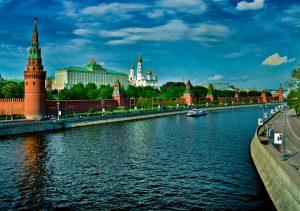 """Фото на стекле """"Москва река"""""""