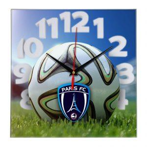 Настенные часы «На стадионе Paris fc»