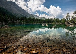 """Фото на стекле """"Озеро в горах"""""""