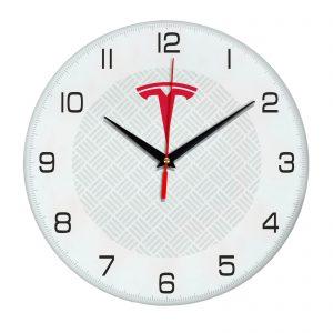 Сувенир – часы Tesla 5 04